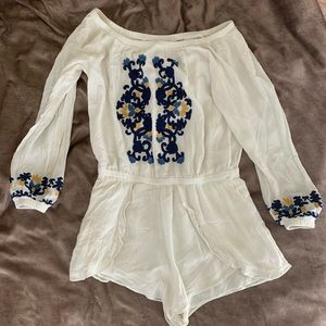 Lovers and friends OTS long sleeve romper